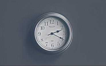 clock.e6abad23fe6c863c56477a6bcae9934a